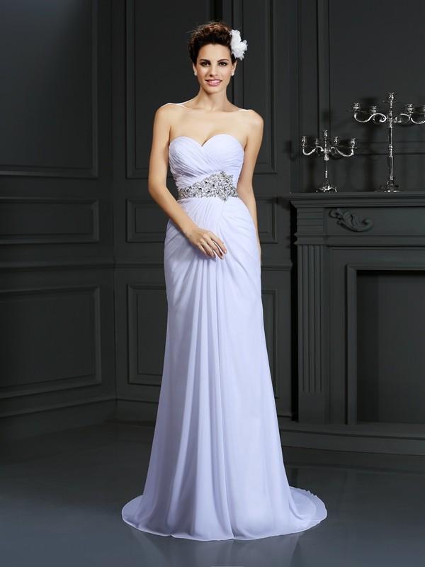 Etui-Linie Herzausschnitt Perlen verziert Ärmellos Lange Chiffon Brautkleider