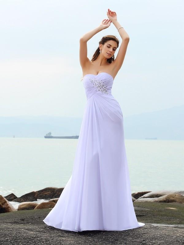 Etui-Linie Herzausschnitt Perlen verziert Ärmellos Lange Chiffon Strand Brautkleider