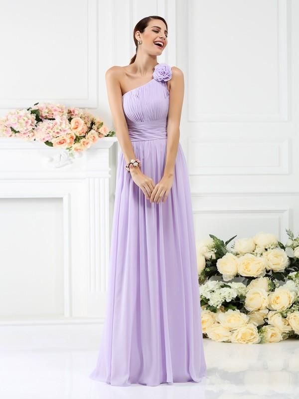 A-Linie/Princess-Linie One-Shoulder-Träger Falten Handgemachte Blume Ärmellos Lange Chiffon Brautjungfernkleider