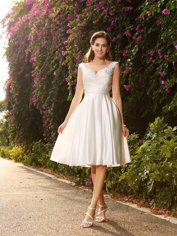 A-Linie/Princess-Linie V-Ausschnitt Perlen verziert Ärmellos Knielang Satin Brautkleider
