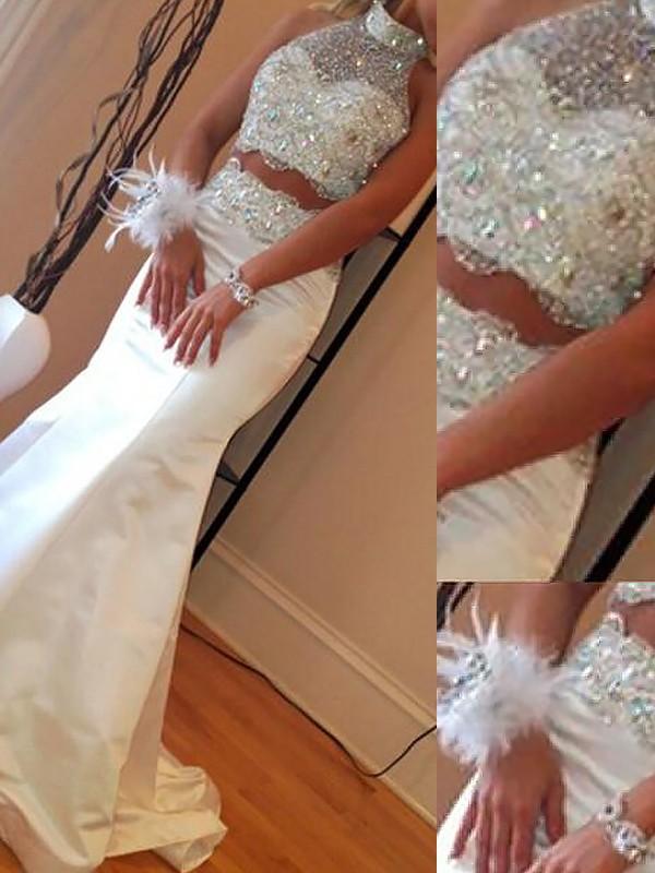 Trompete/Meerjungfrau-Linie Stehkragen Ärmellos Satin Perlen verziert Sweep/Pinsel zug Zweiteilige Kleider